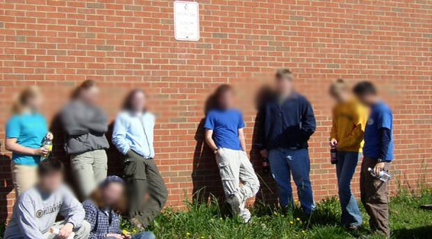 Spijbelaar vergeet schooltas na inbraak Amsterdam