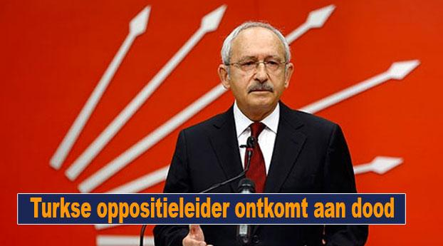 Turkse oppositieleider ontkomt aan dood