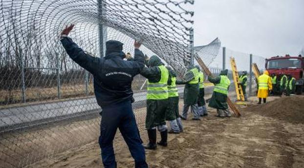 Hongarije heeft nu ook tweede grenshek