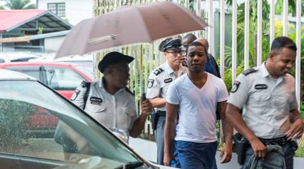 Haagse rappers blijven vast in Suriname