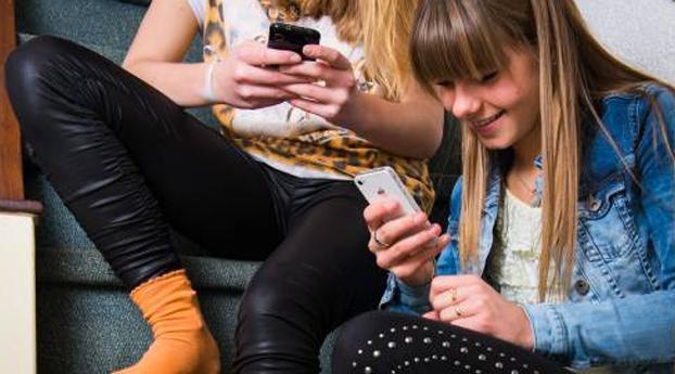 'Sms-abonnementen aangesmeerd via foute apps'