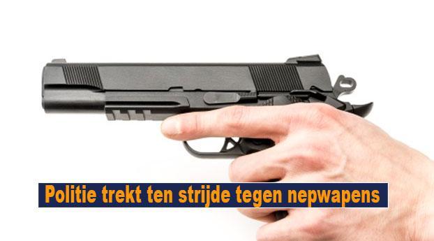 Politie trekt ten strijde tegen nepwapens