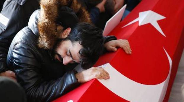 Turkije zoekt helpers dader aanslag Istanbul
