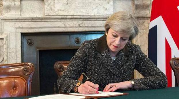 Britse regering vraagt scheiding EU aan