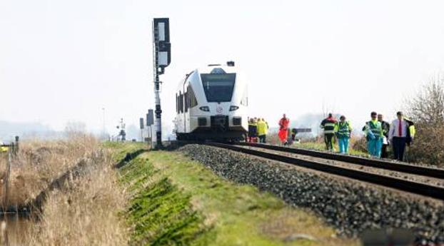 Twee doden door botsing trein met auto