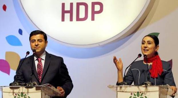 Fractieleider uit Turks parlement gezet vanwege banden met PKK
