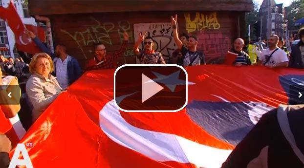 Turken Amsterdam protesteren tegen PKK