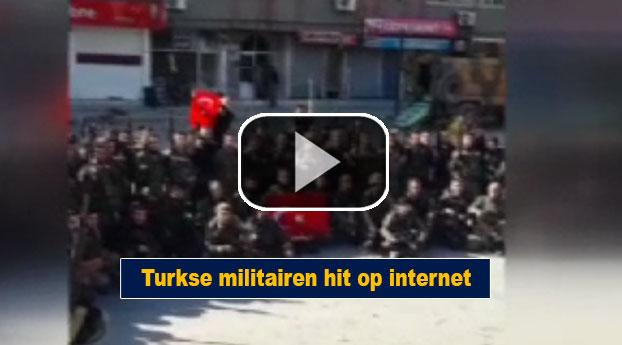 Turkse militairen hit op internet