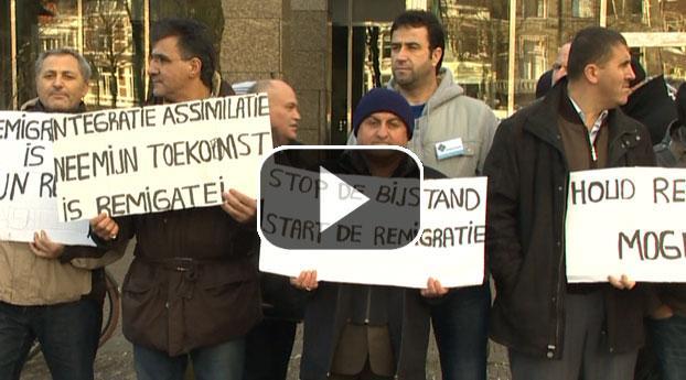Turken protesteren om behoud remigratiewet