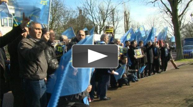 Turken protesteren voor ambassade Rusland