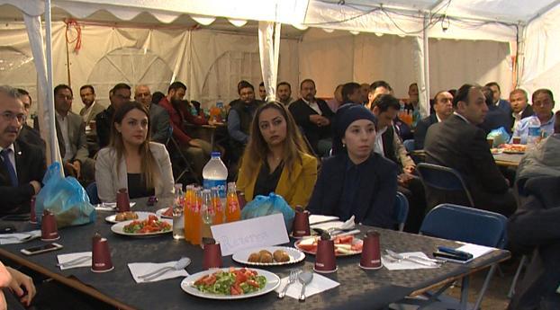 Lapon organiseert iftar en bespreekt Turkse onderwerpen