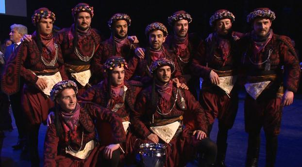 Volksdansgroep Efeler Taburu wint Nederlandse Kampioenschappen Turks Volksdansen