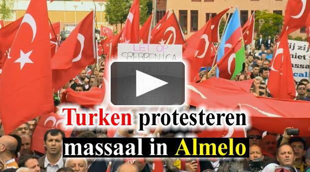 Turken protesteren massaal in Almelo
