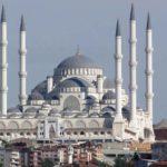 Grootste moskee Turkije in gebruik genomen