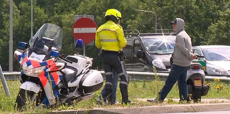 Politie sluit afritten A6 naar Urk af