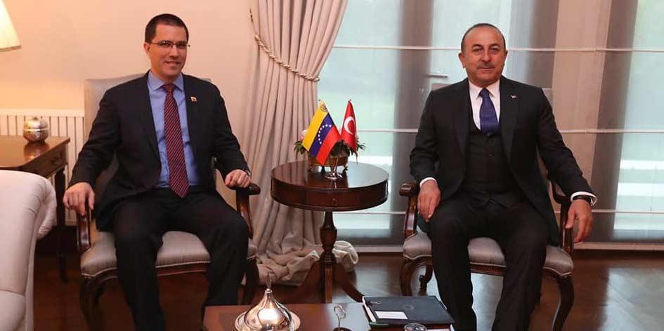 Ondanks Amerikaanse sancties blijft Turkije samenwerken met Venezuela