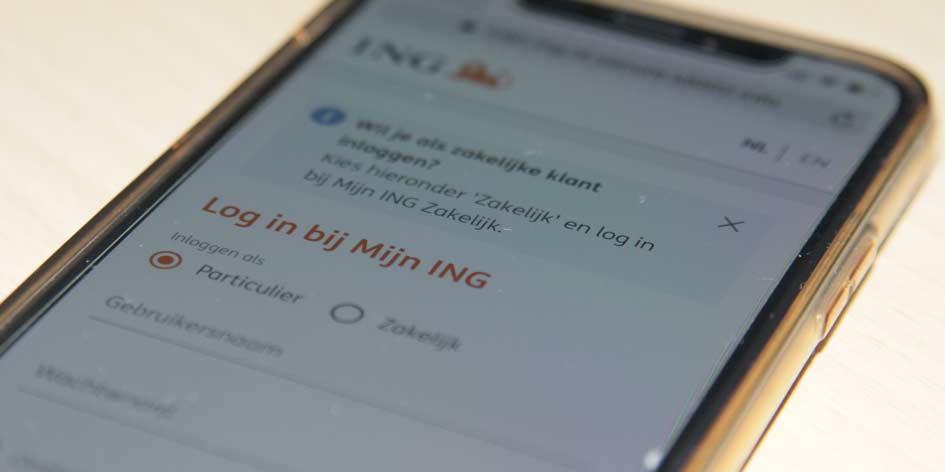 OM: WhatsApp-fraudeurs verdienden ruim ton