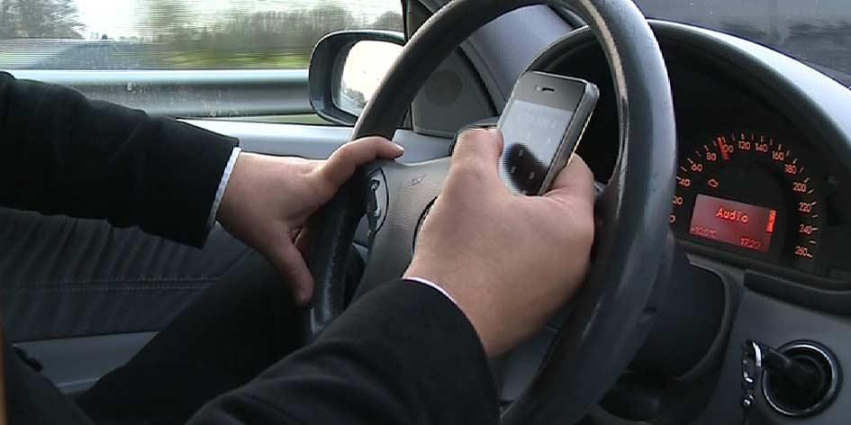 500 automobilisten met mobieltje beboet